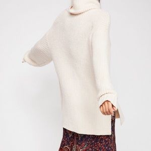 FREE PEOPLE turtleneck chunky sweater XS